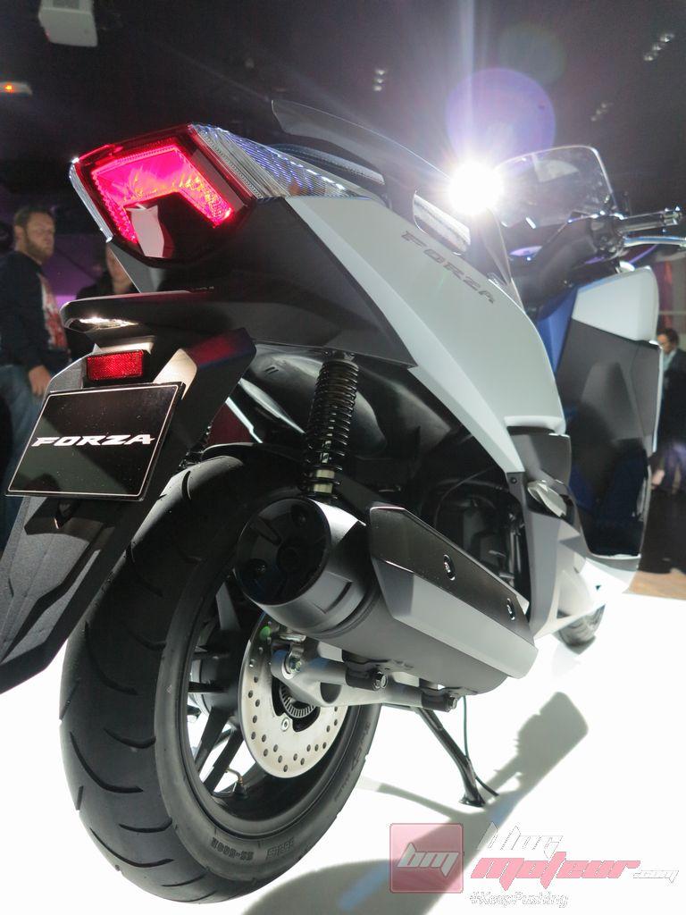 avant premiere mondial le scooter honda forza 125. Black Bedroom Furniture Sets. Home Design Ideas
