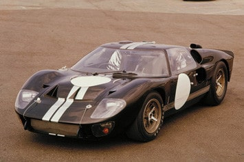 Ford-GT40-1966-intro