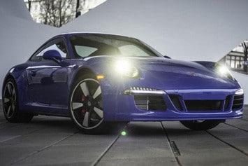 Porsche-911-GTS-Club-intro