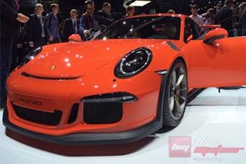 Porsche-911-GT3-RS-Intro