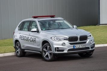 BMW-X5-Hybrid-Formule-E-Miniature