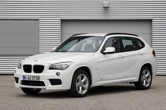 bmw x1 deux nouveaux moteurs efficient dynamics. Black Bedroom Furniture Sets. Home Design Ideas