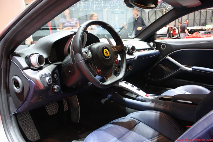 gen ve 2012 ferrari f12 berlinetta nos photos. Black Bedroom Furniture Sets. Home Design Ideas