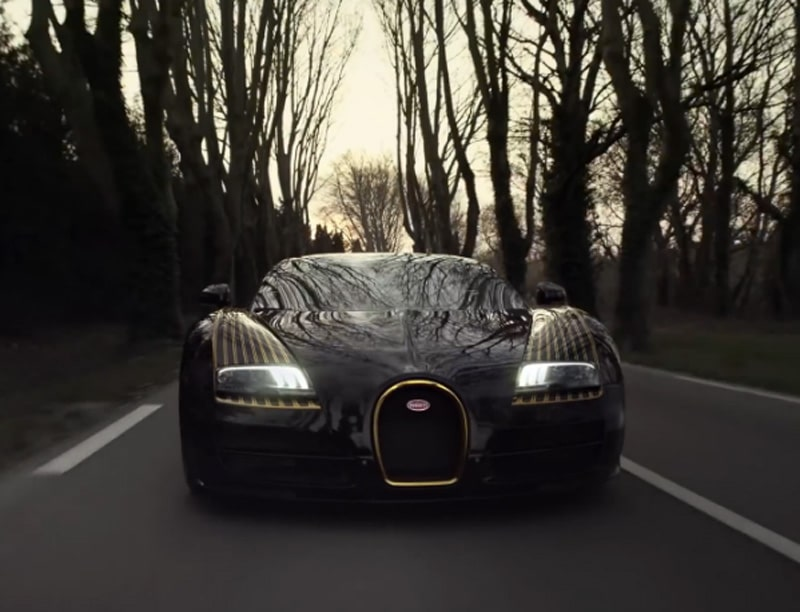 bugatti veyron la version black bess s 39 illustre en vid o. Black Bedroom Furniture Sets. Home Design Ideas