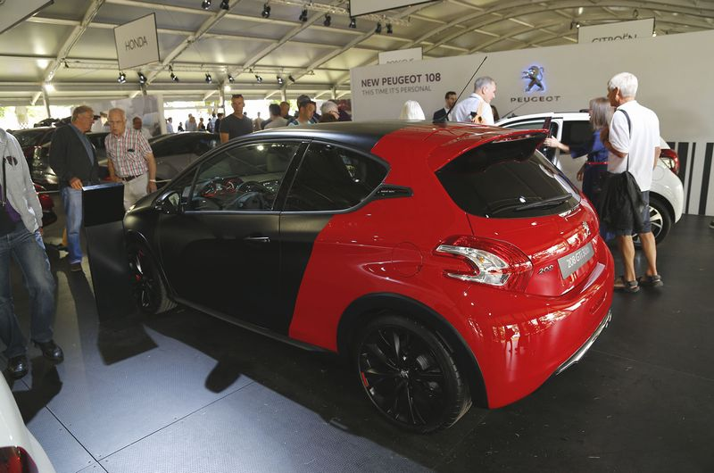 peugeot les photos de la nouvelle 208 gti 30th goodwood. Black Bedroom Furniture Sets. Home Design Ideas