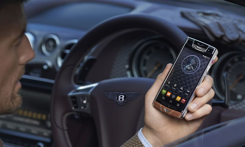 Vertu-Signature-Bentley