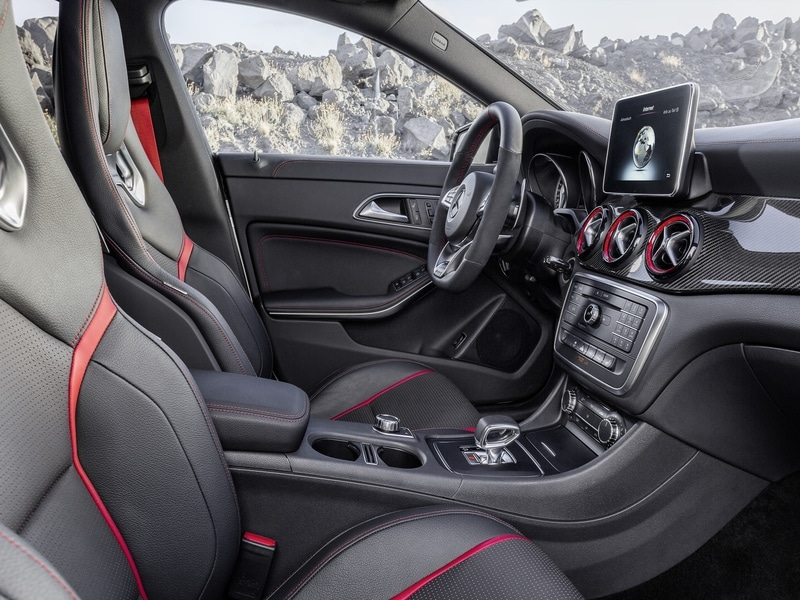 les mercedes cla et cla 45 amg en mode shooting brake. Black Bedroom Furniture Sets. Home Design Ideas
