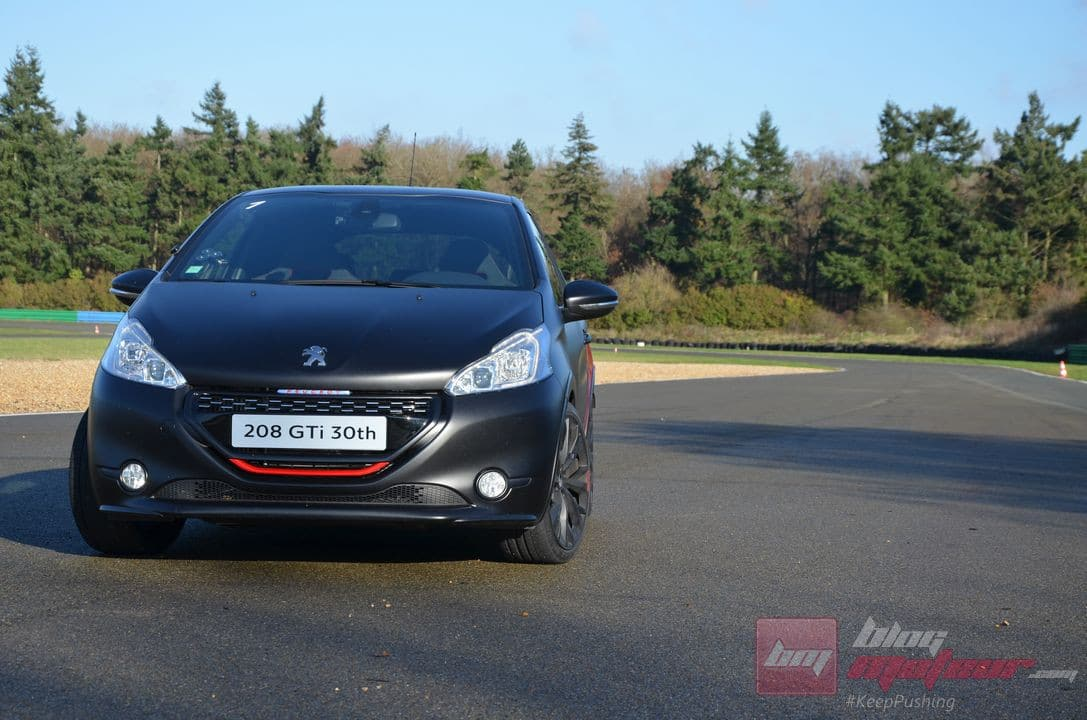 peugeot 208 gti 30th 3 blog moteur. Black Bedroom Furniture Sets. Home Design Ideas