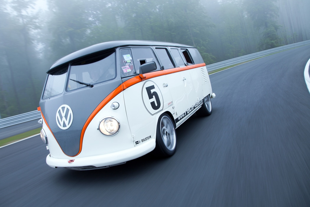 vw t1 race taxi un moteur de 993 turbo dans un combi. Black Bedroom Furniture Sets. Home Design Ideas