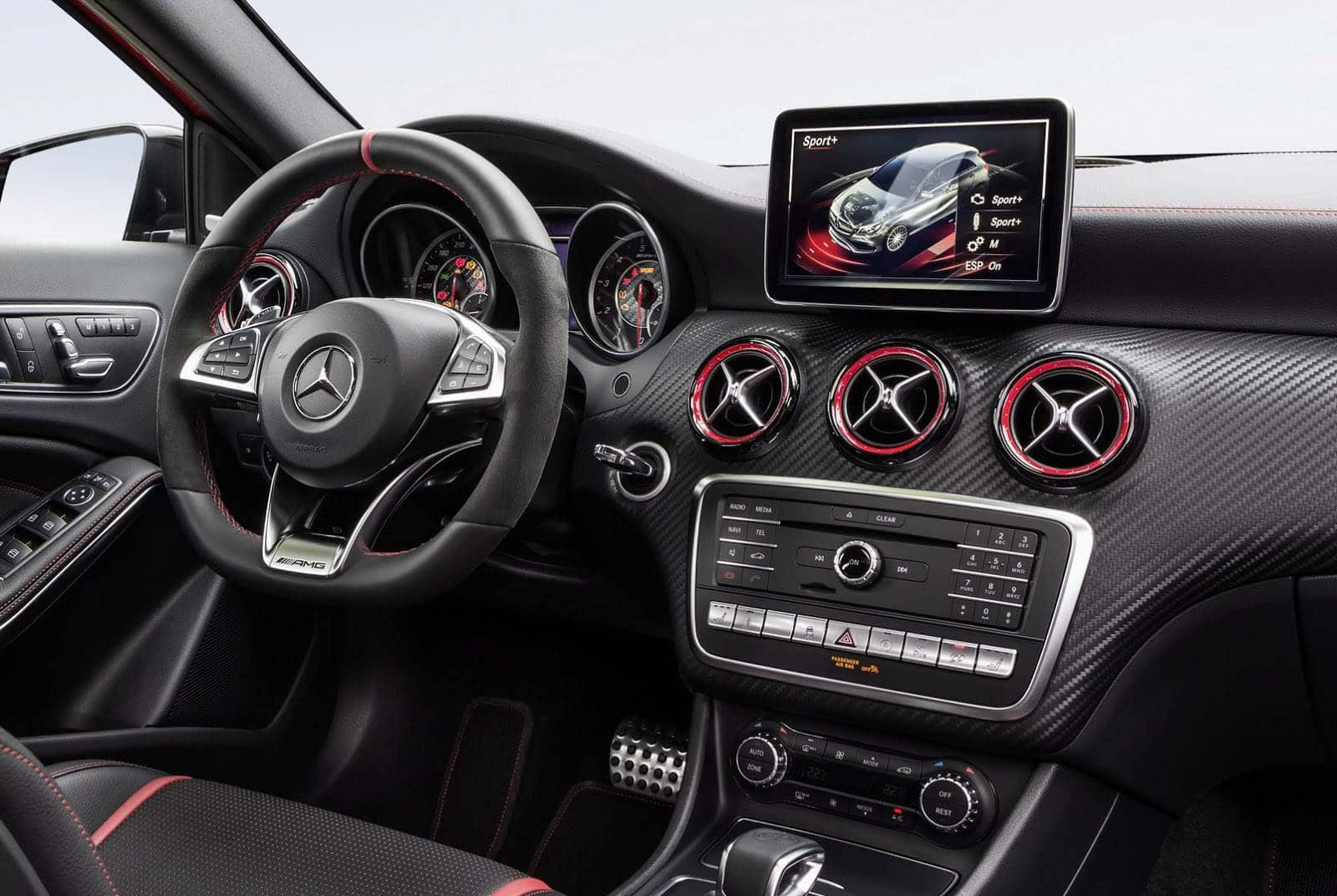 400ch minimum pour la nouvelle mercedes a45 amg. Black Bedroom Furniture Sets. Home Design Ideas