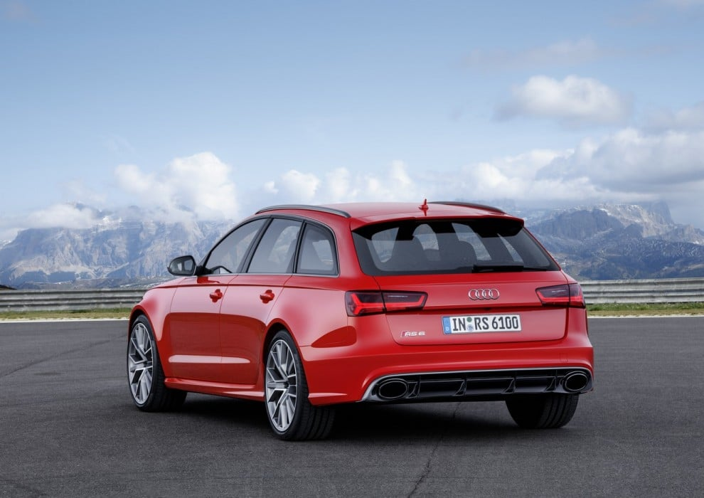 2015-Audi-RS6-Avant-Performance-1-990x700