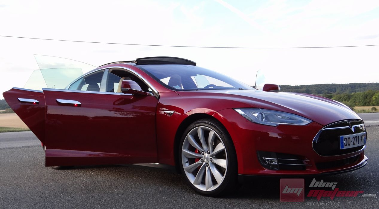 essai tesla model s p85d une nouvelle re. Black Bedroom Furniture Sets. Home Design Ideas