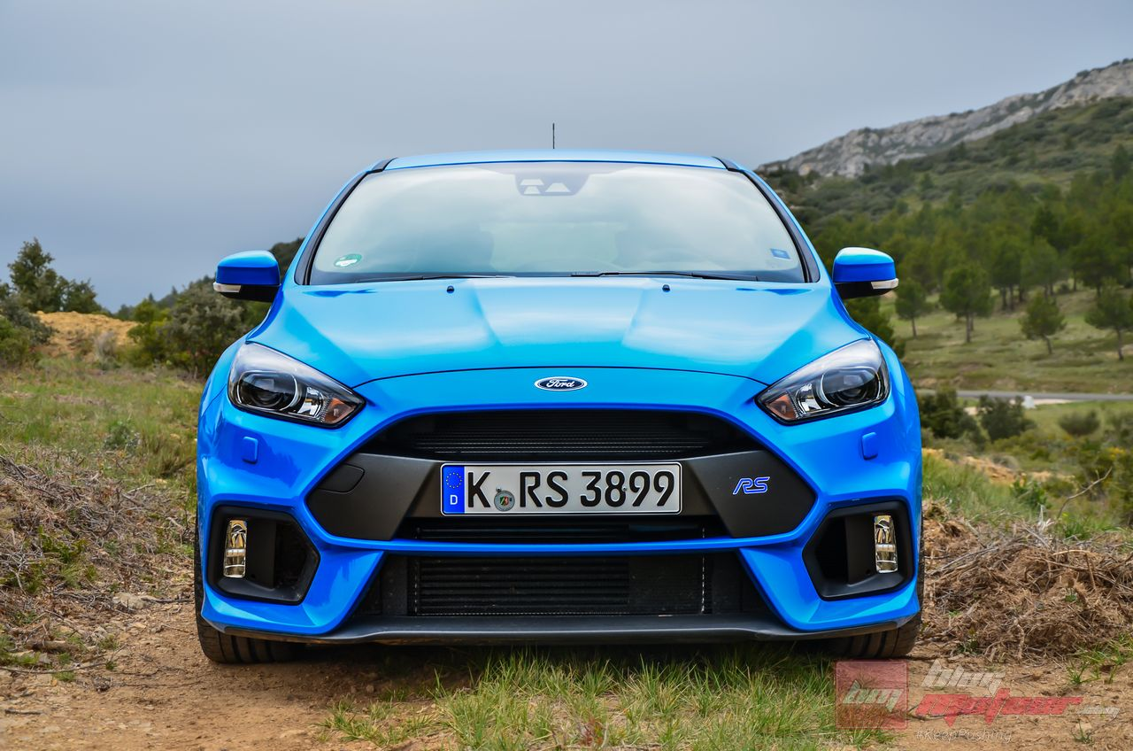 Ford_Focus_RS_2016-18