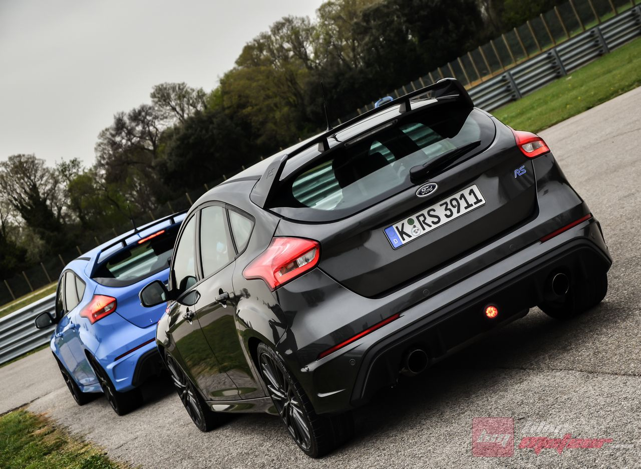 Ford_Focus_RS_2016-7