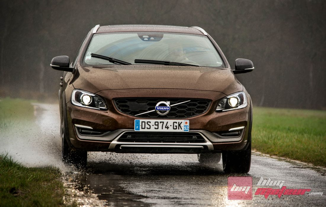 essai volvo v60 cross country d4 awd proposition d cal e. Black Bedroom Furniture Sets. Home Design Ideas