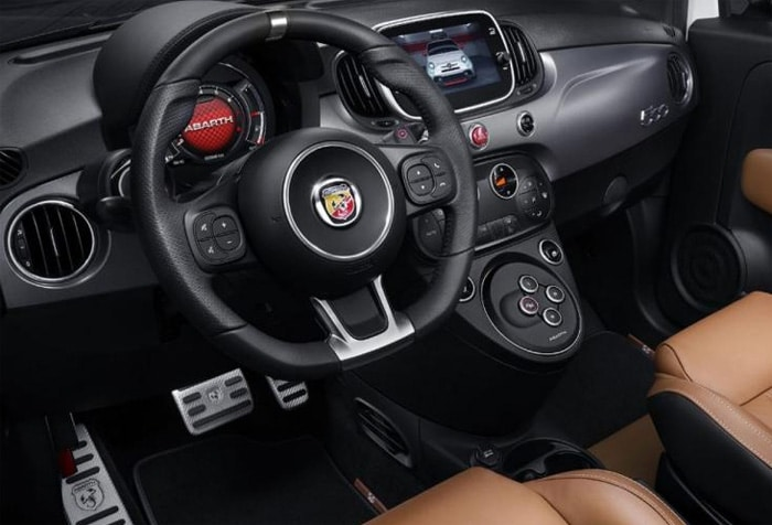 abarth 595 la fiat 500 restyl e en mode sport. Black Bedroom Furniture Sets. Home Design Ideas