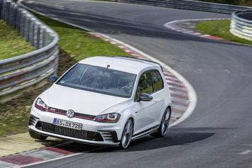 VW_Golf Clubsport_S_3_intro