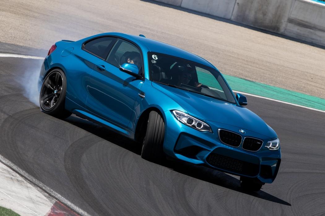 BMW M2 Compétition en approche