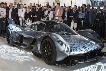 aston-martin-am-rb-001-3_intro