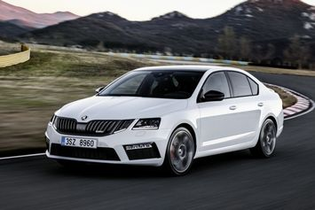 skoda-octavia-rs-2017-1-_into