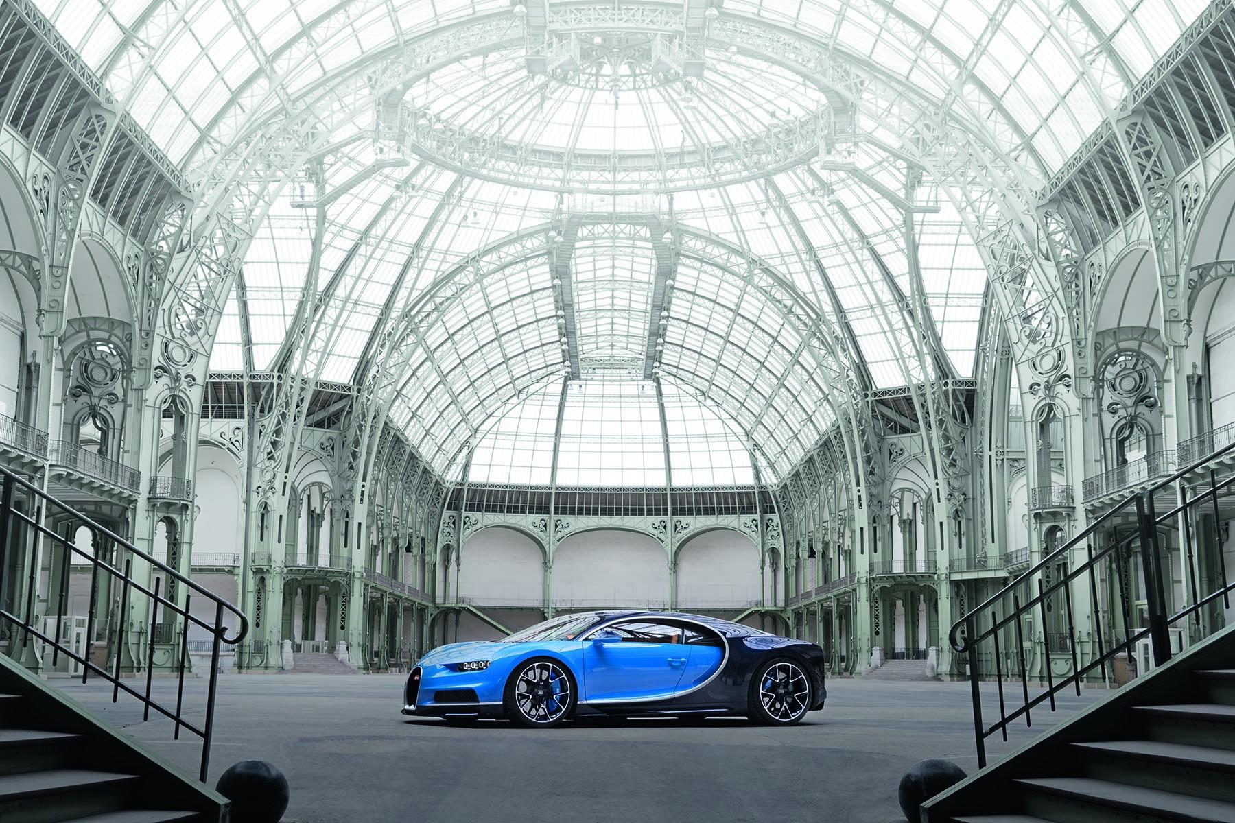 Bugatti_Chiron_2016_1
