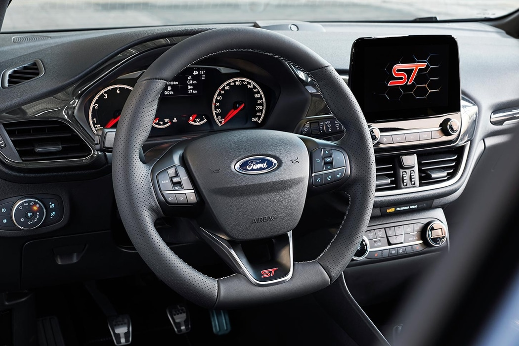 FORD-Fiesta-ST-2017-2