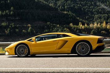 Lamborghini aventador S en video sur le circuit de Valence