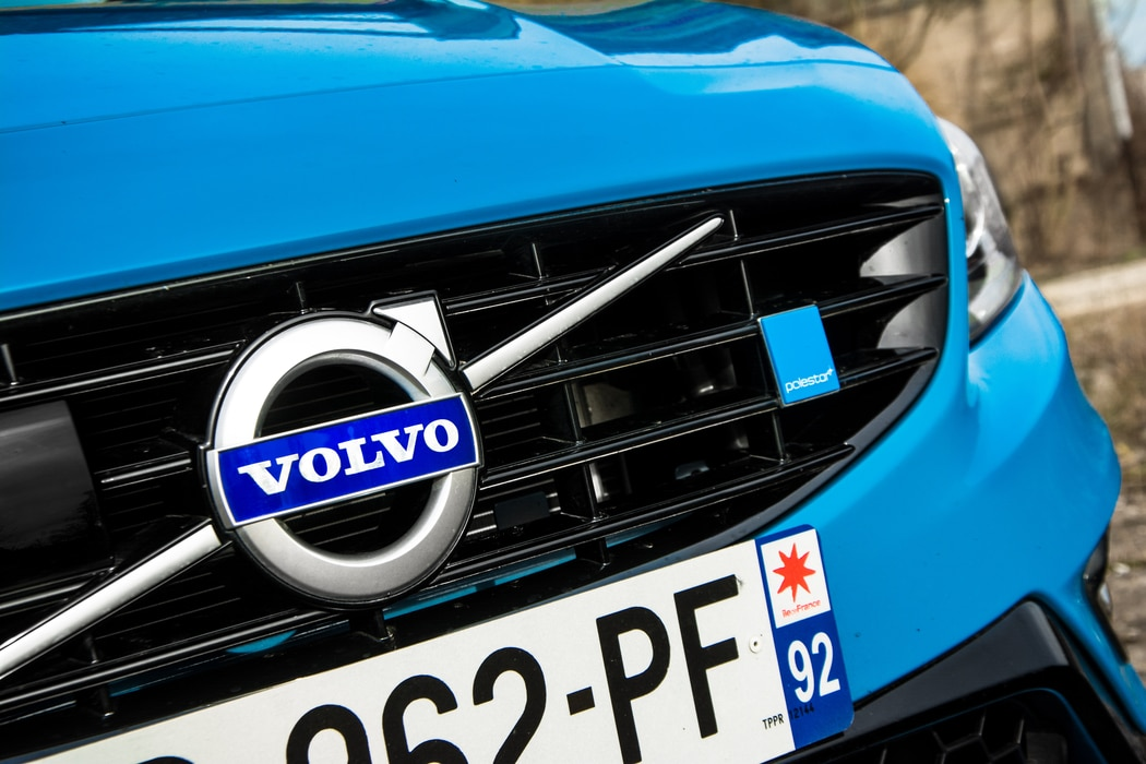 Essai-Volvo-S60-Polestar-Logo-Avant