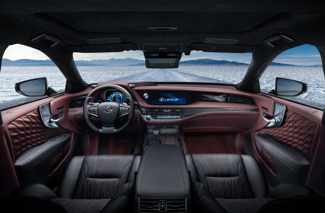 Lexus-LS500H-2017-5