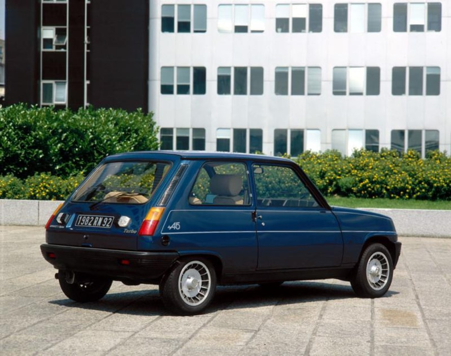 Renault-5-Alpine-Turbo-1