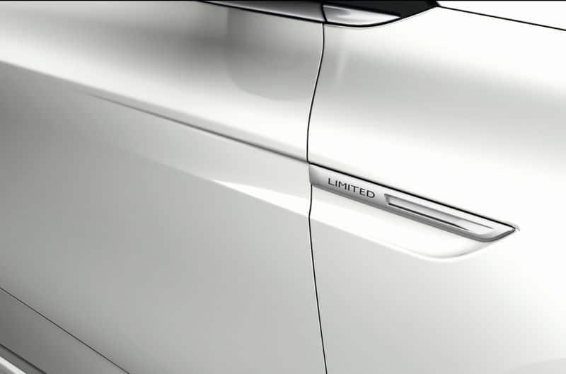 Renault-Megane-Limited-2-