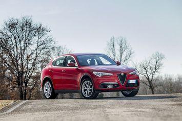 Alfa Romeo Stelvio : 2 nouveaux moteurs pour son SUV