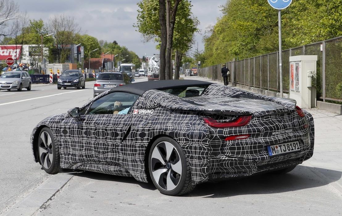 BMW i8 Spyder : la supercar survoltée enlève le haut