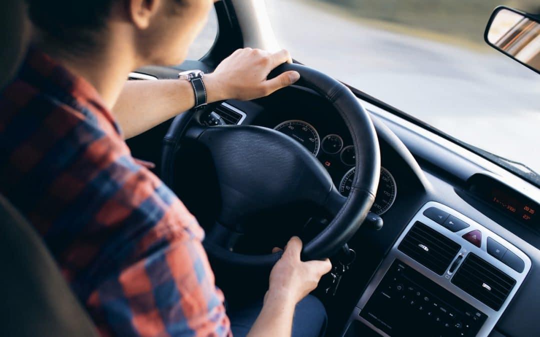 Comment trouver une assurance auto jeune conducteur moins chère ?