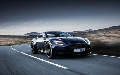 Aston Martin dévoile une version plus énervée de sa DB11 : l'AMR