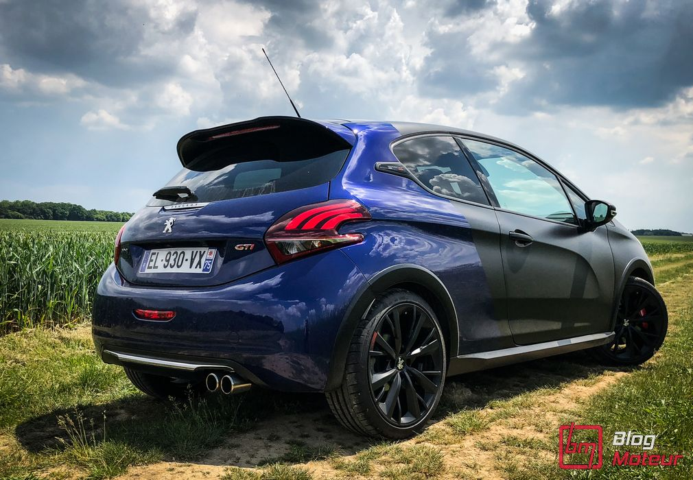 essai peugeot 208 gti by peugeot sport tourn e d 39 adieux. Black Bedroom Furniture Sets. Home Design Ideas