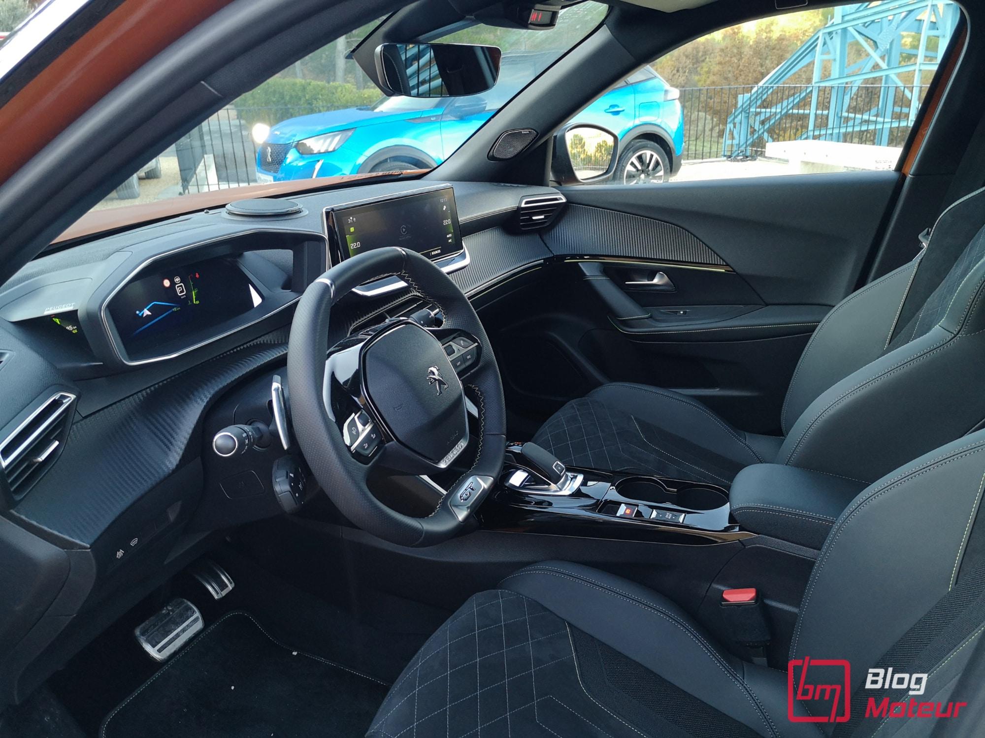 2008 first test drive - intérieur et vue e-2008
