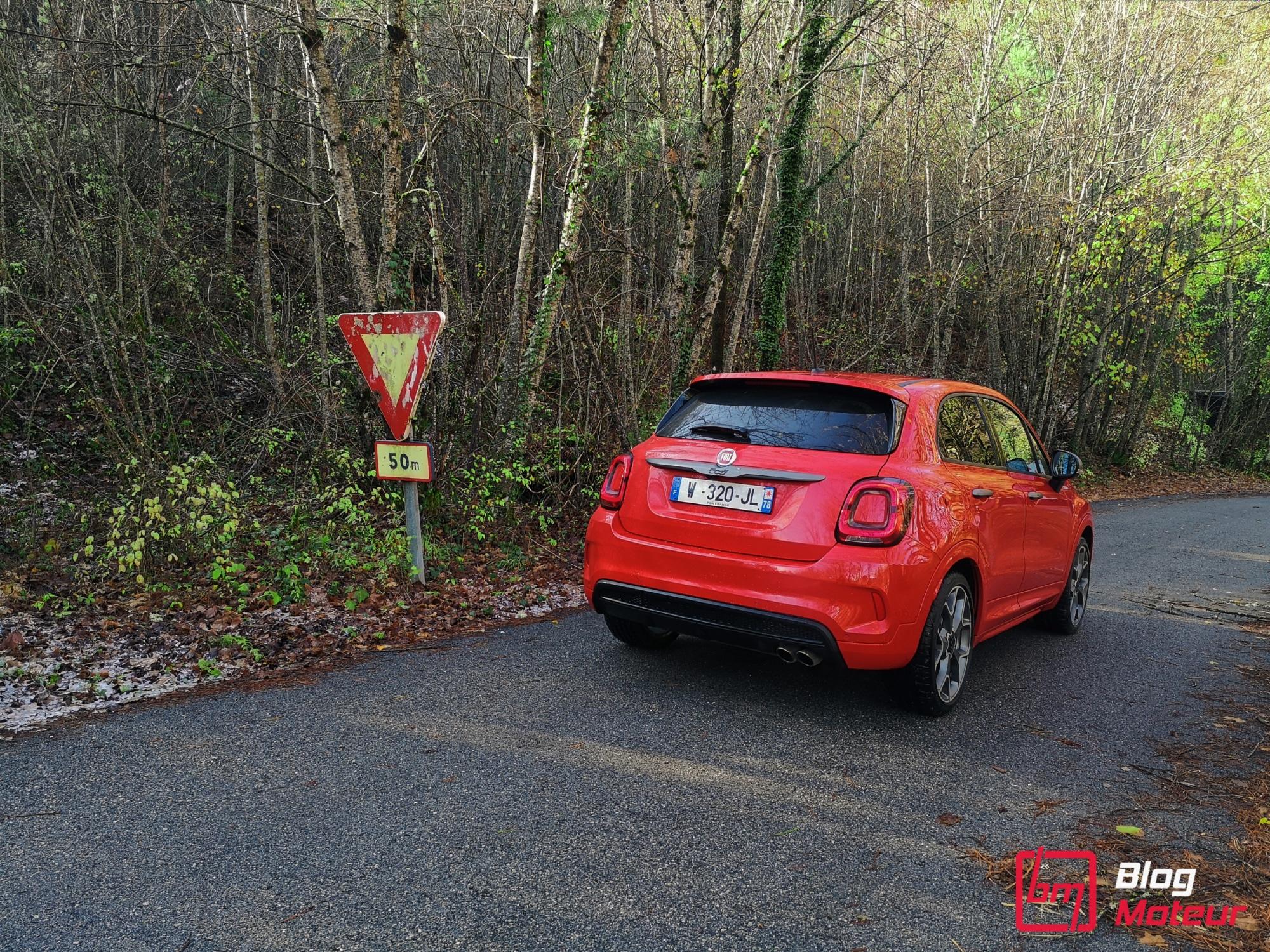 FIAT 500X Sport - vue panneau