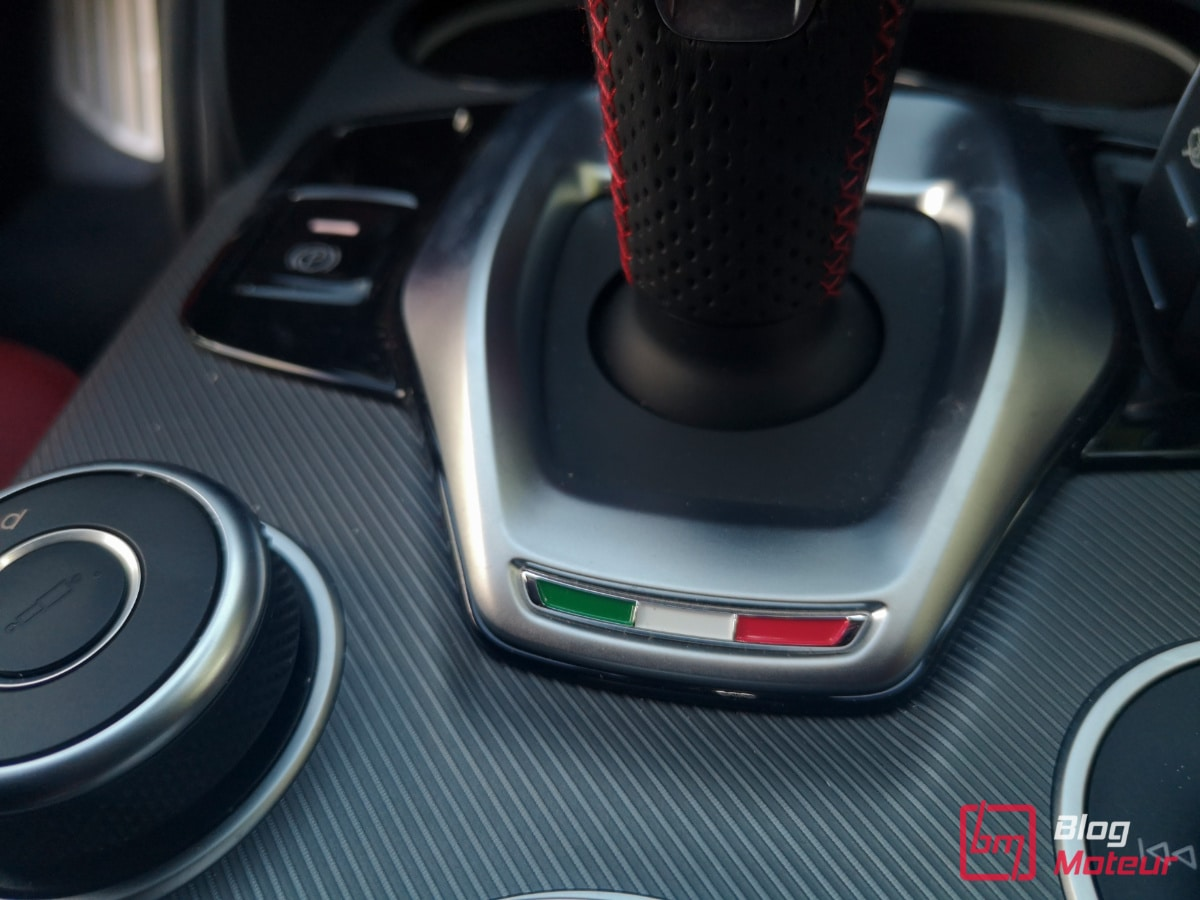 Alfa_Romeo_drapeau_italien