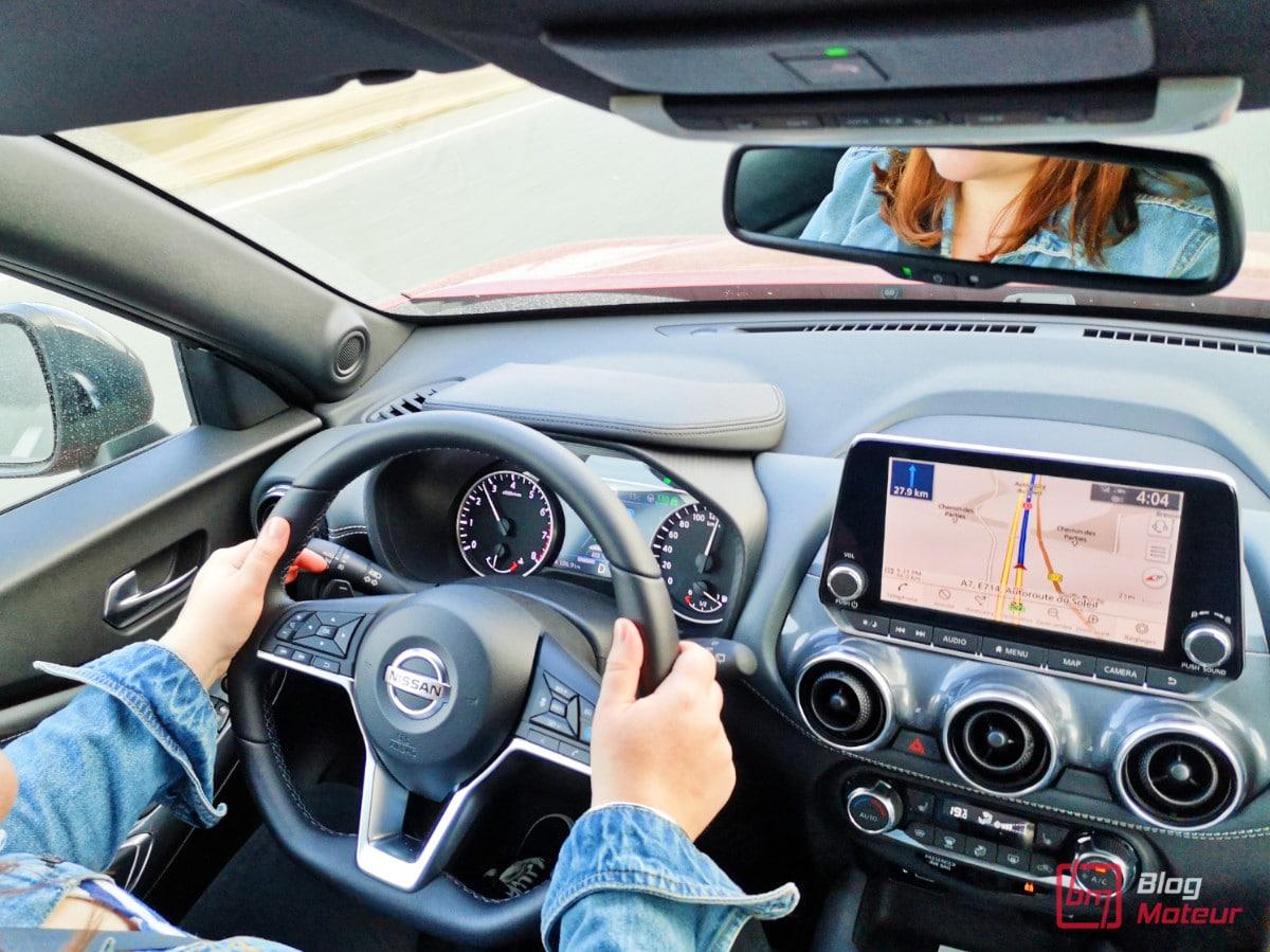 Essai Nissan juke longue durée poste de conduite