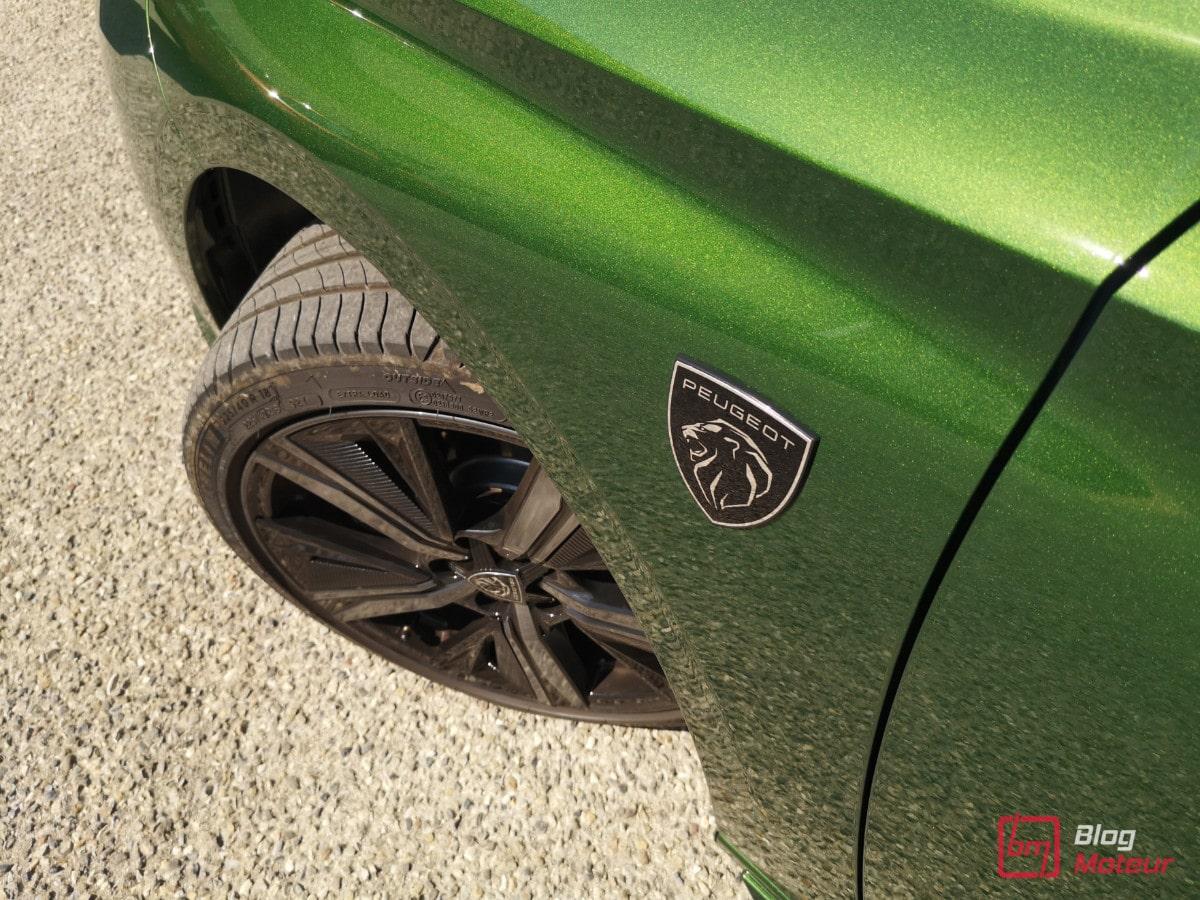 Nouvelle Peugeot 308 hybrid 225 finition GT Pack haut de gamme